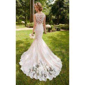 Dresses & Skirts - Stella York Ivory Wedding Dress
